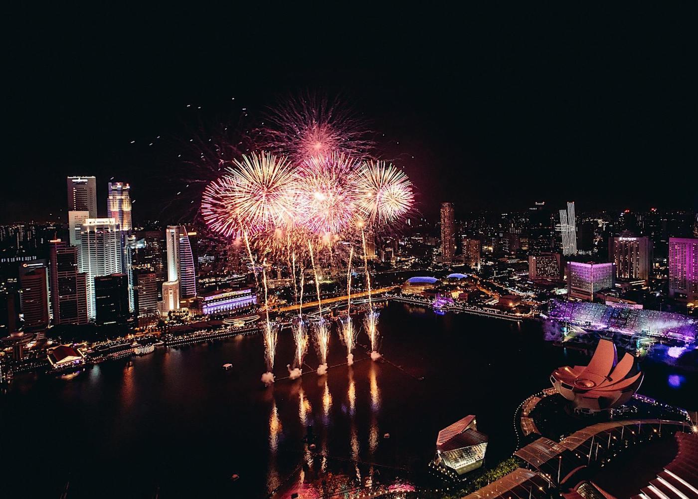 fireworks marina bay singapore