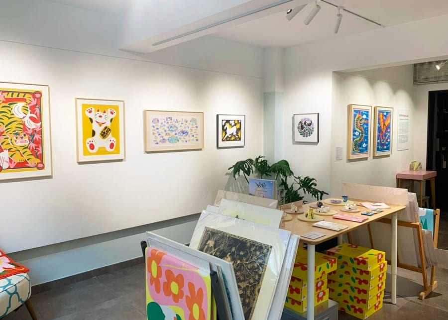 art galleries hong kong odd one out gallery interior paintings